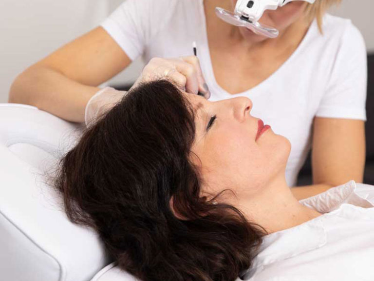 Permanent Make-Up - Behandlungen nach der manuellen Methode